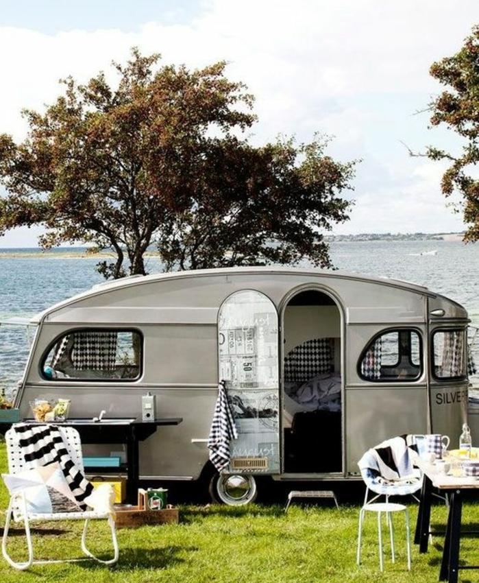 1vivre-en-caravane-au-bord-de-la-mer-plein-air-joie-de-vivre-boheme-spirit