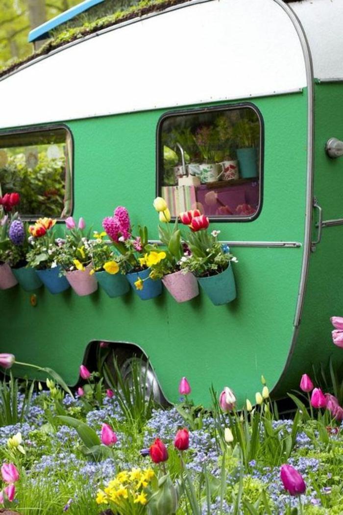2vivre-en-mobil-home-plantes-fleurs-déco-couleurs-et-vivacité