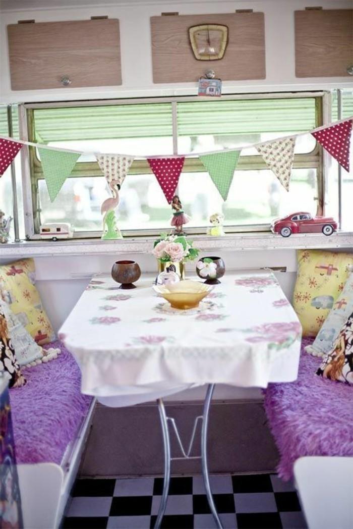 2vivre-en-mobil-home-vintage-style-guirlande-décoratifs-vert-rouge