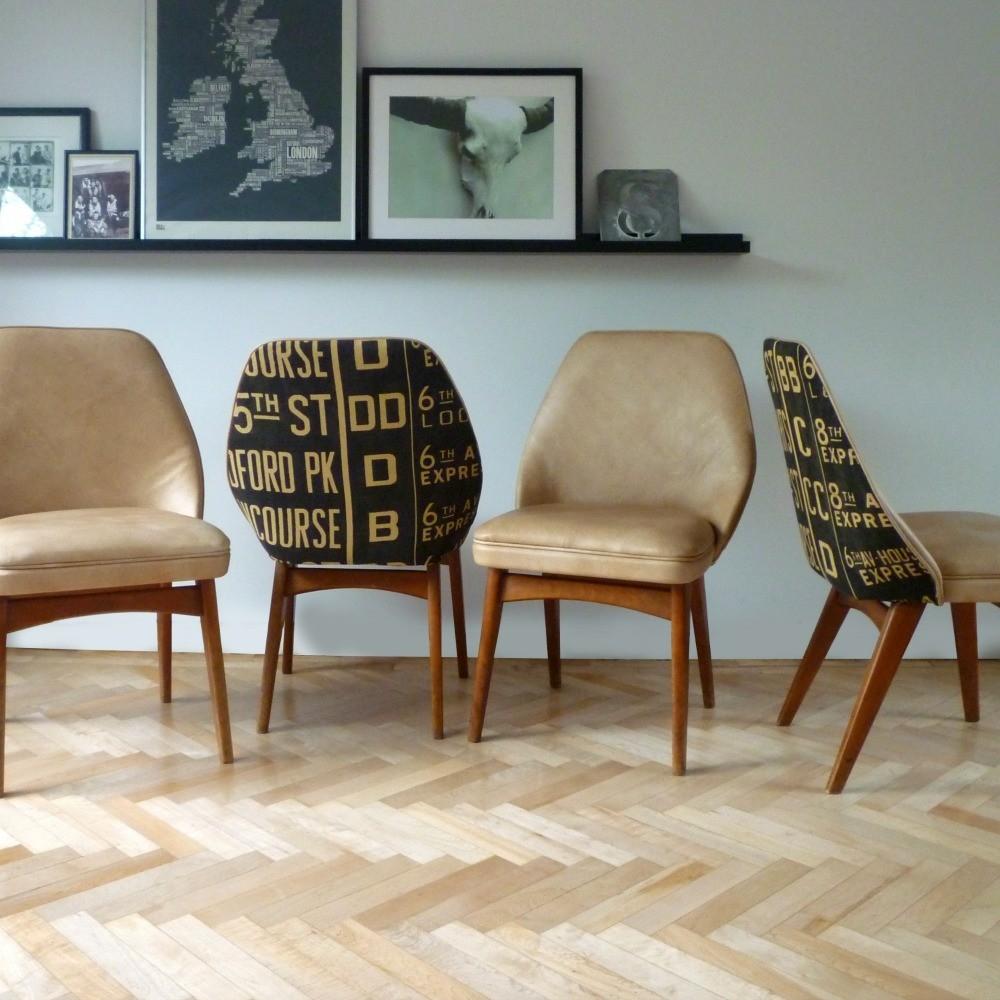 chaise retro en cuir beige pieds en bois style design suedois