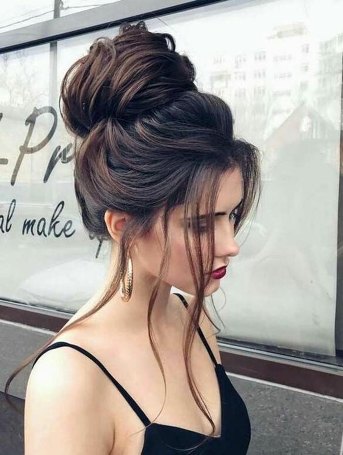 adorable-femme-coiffure-chignon-flou-chignon-facile-photo-jolie