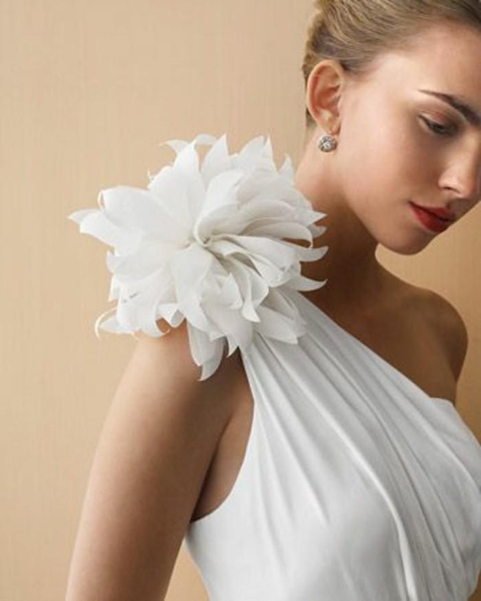 1001 id es comment faire des fleurs en tissu impressionnantes for Comment faire la robe de mariage cupcake
