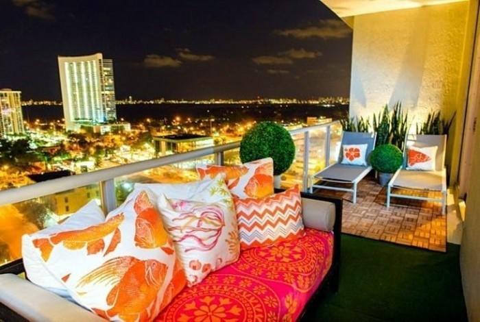 amenagement-balcon-grand-balcon-vue-nocturne-depuis-le-balcon