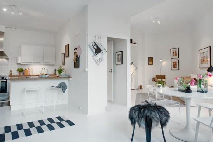 amenagement-petit-espace-cuisine-blanche-table-a-manger-chaises-deco-simple-et-moderne