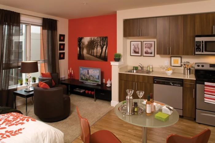 amenagement-petit-espace-cuisine-en-bois-voiles-fauteuils-tapis-parquet-en-bois
