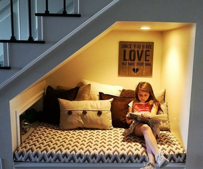 aménagement-petite-chambre-espace-cosy-de-lecture