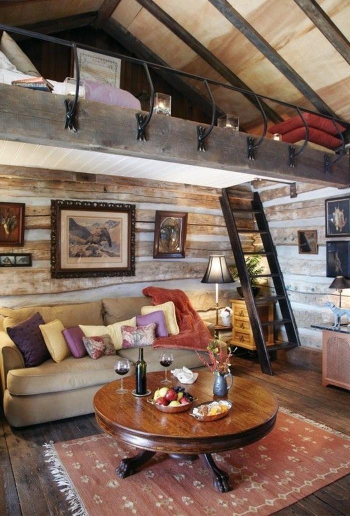 amenager-un-garage-en-chambre-lit-superpose-peintures-photos-escalier-coussins-violets-et-jaunes
