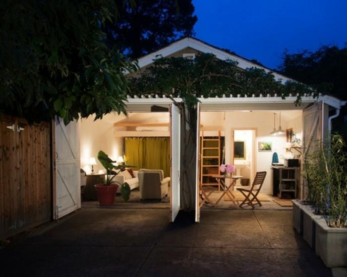 amenager-un-garage-en-chambre-mobilier-en-bois-decor-de-jardin
