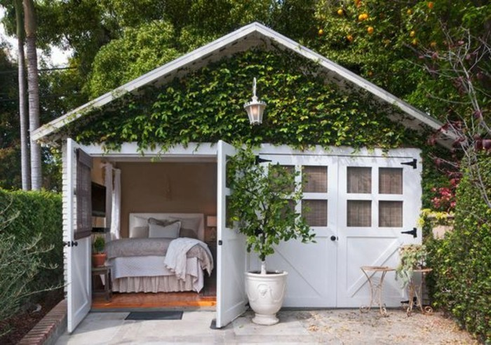 amenager-un-garage-en-chambre-transformation-superbe-chambre-a-coucher-secrete