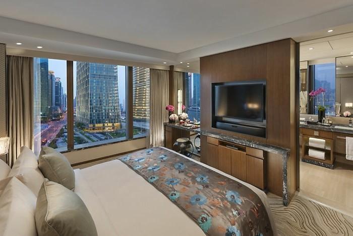 amenager-un-petit-appartement-vue-parfaite-canape-double-salle-de-bain