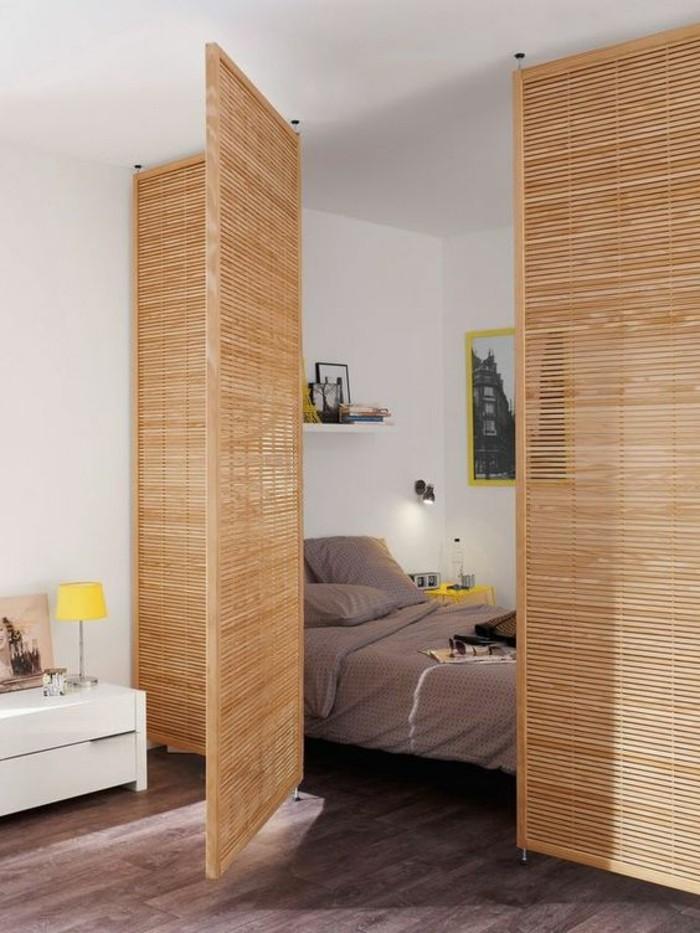 aménager-une-petite-chambre-avec-paravent-bambou