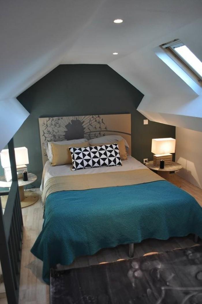 aménager-une-petite-chambre-sous-le-toit-jeu-de-couleurs