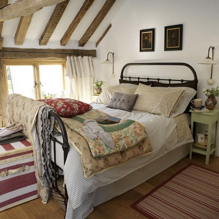 aménager petit chambre dans les combles amenagement grenier comble