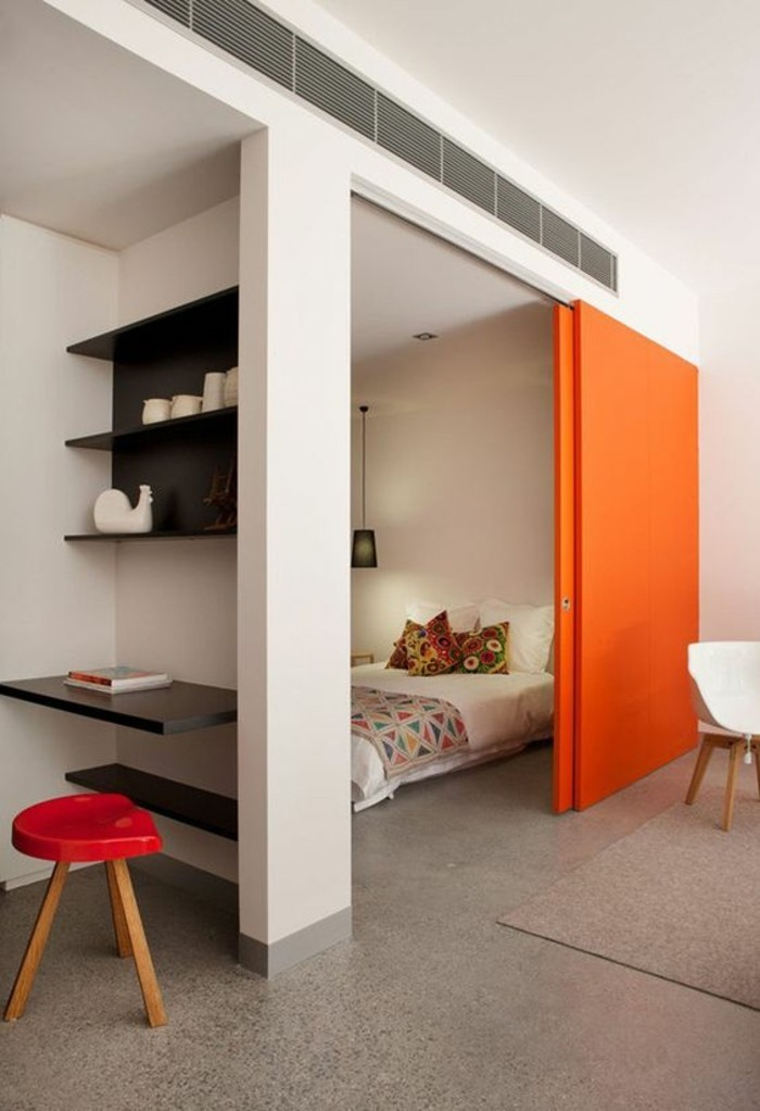 amenagement-petite-chambre-bureau-isole-avec-biblio