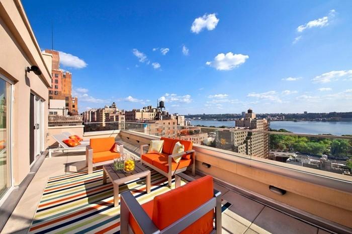 amenager-balcon-grande-terrasse-equipee-en-style-moderne