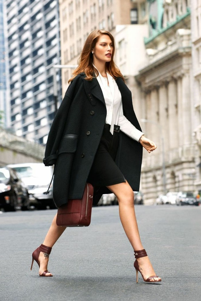 apprendre-à-s-habiller-s-habiller-correctement-classique-tenue-noir-et-blanc-chemise-jupe
