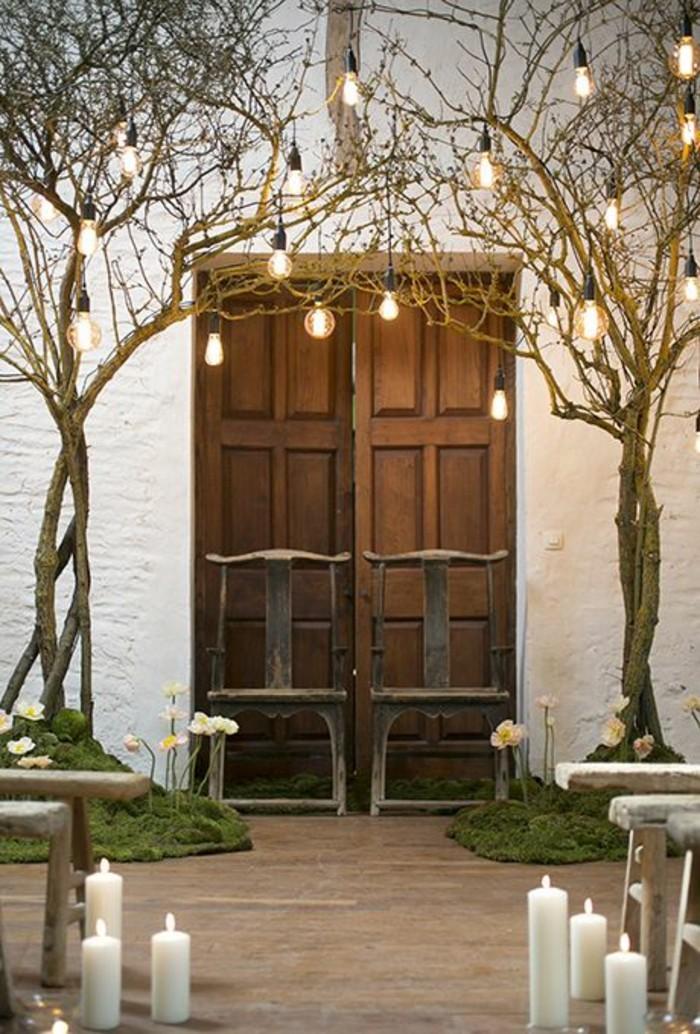 arche-de-mariage-naturelle-arbres-suspensions-ampoules