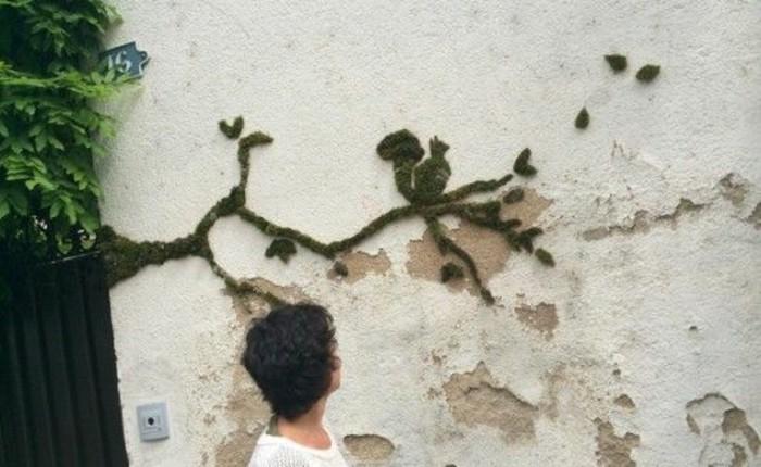 art-urbain-artistes-contemporains-graffiti-en-mousse-mur-decrepi