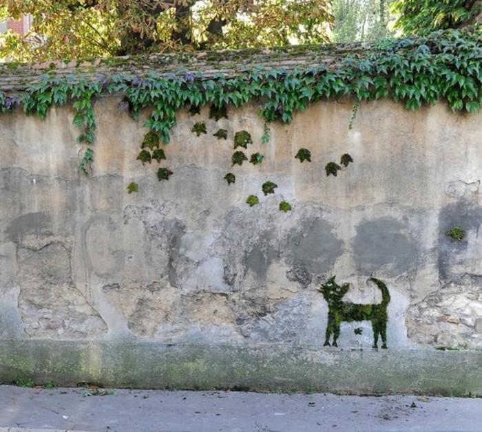 art-urbain-chat-en-mousse-vegetale-comment-faire-un-graffiti-eco