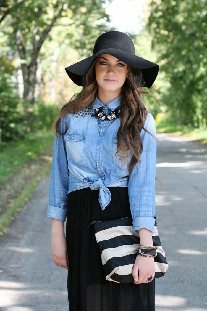 avec-quoi-porter-une-chemise-en-jean-chapeau-noir-originale0sac-a-main-en-noir-et-blanc