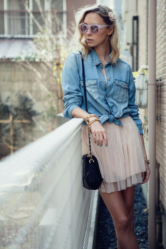 avec-quoi-porter-une-chemise-en-jean-vision-princesse-chic-accessoires-fleur-dans-les-cheveux