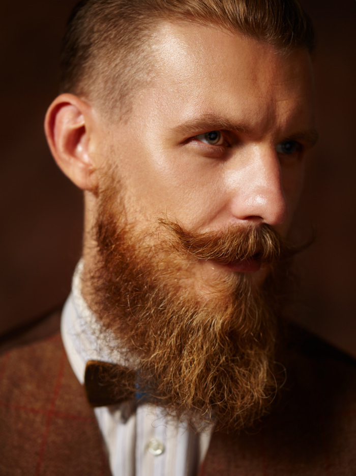 barbe homme moustache hipster cire huile fixer tailler raser style styles barbes