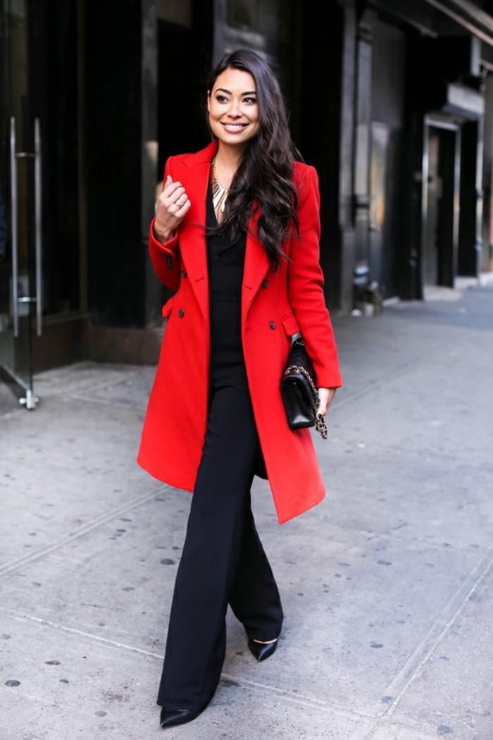 beauté-et-mode-bien-s-habiller-en-hiver-idées-de-look-femme-magnifique-veste rouge-longue-manteau-rouge