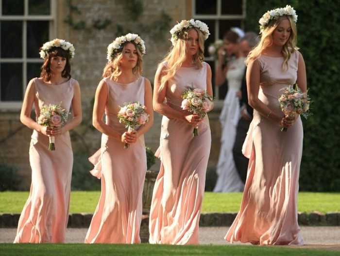 belles-robes-rose-pale-mariage-robe-invité-mariage-tenue-classe-femme