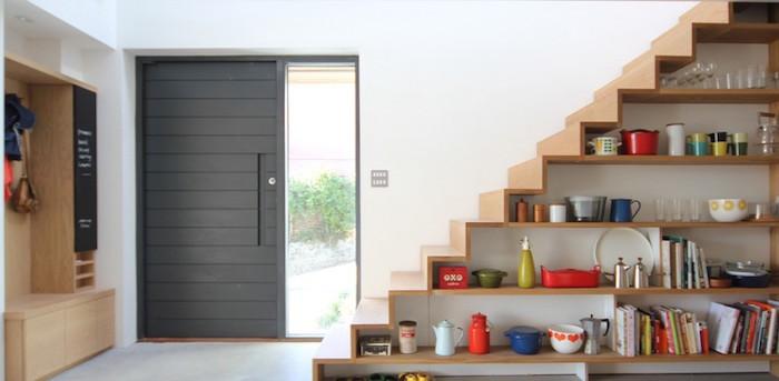 bibliotheque-en-escalier-etagere-escaliers-rangement-cube-en-bois-design-en-bois