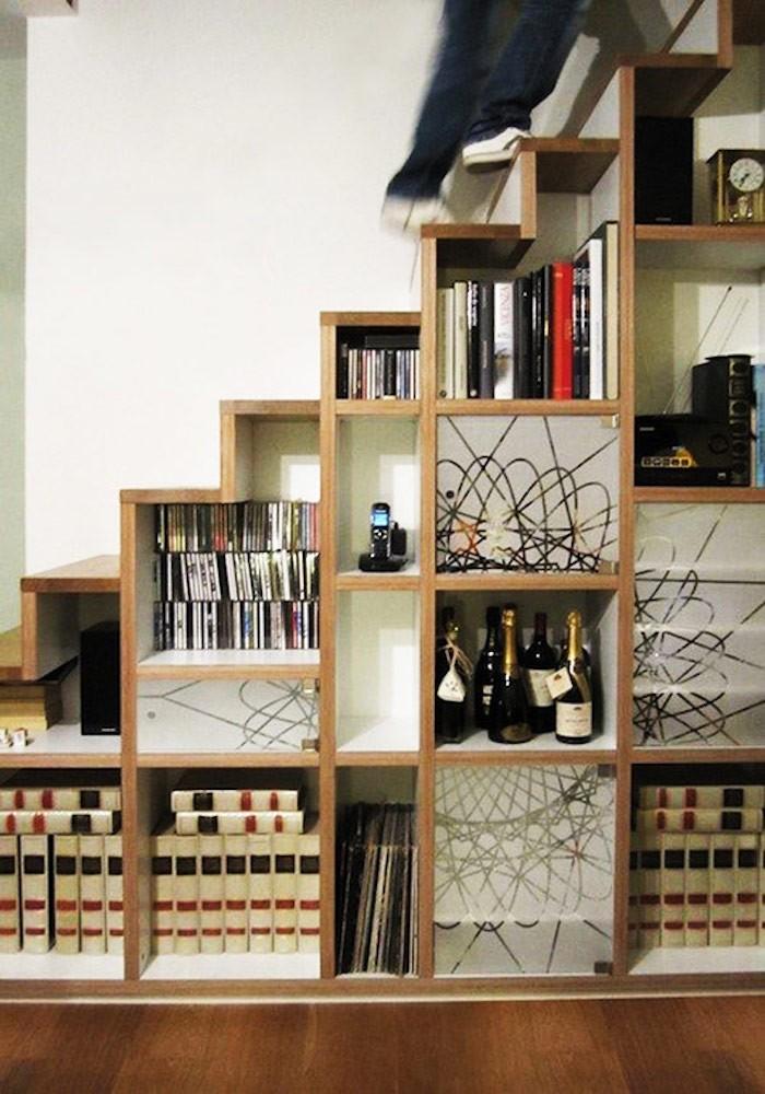 bibliotheque-sous-escalier-bois-meuble-cube-escalier