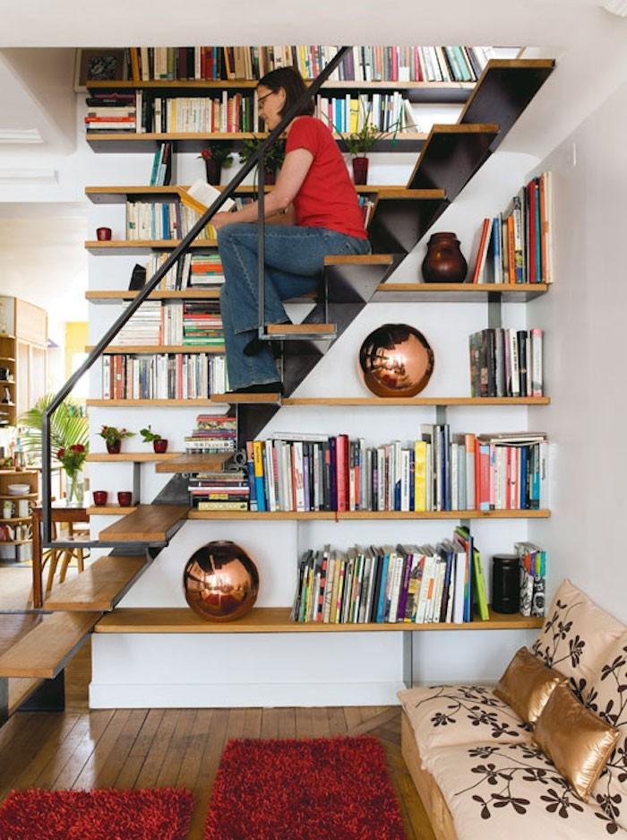 bibliotheque-sous-escalier-etagures-murales-dessertes-tablettes-en-bois-mur