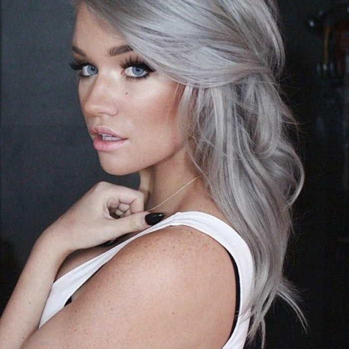 balayage blond cendr sur cheveux gris. Black Bedroom Furniture Sets. Home Design Ideas