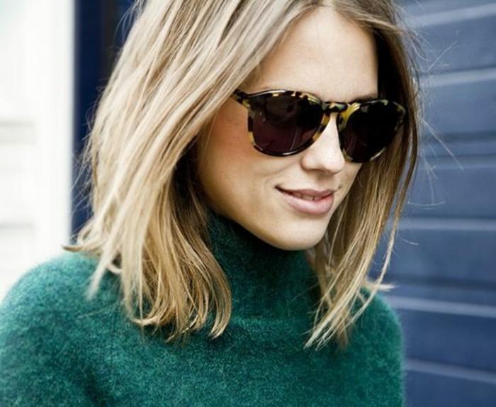 blond-cendre-lunettes-cadre-pronts-leopard-pull-vert