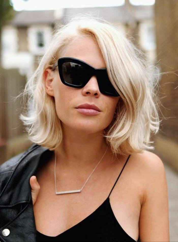 blond-platine-modèle-coupe-courte-tendances-coiffures