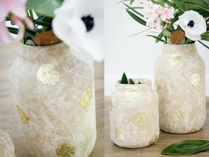 bocaux-en-verre-transformés-en-de-jolies-vases-papier-maché-à-points-dorés-papier-maché-tuto