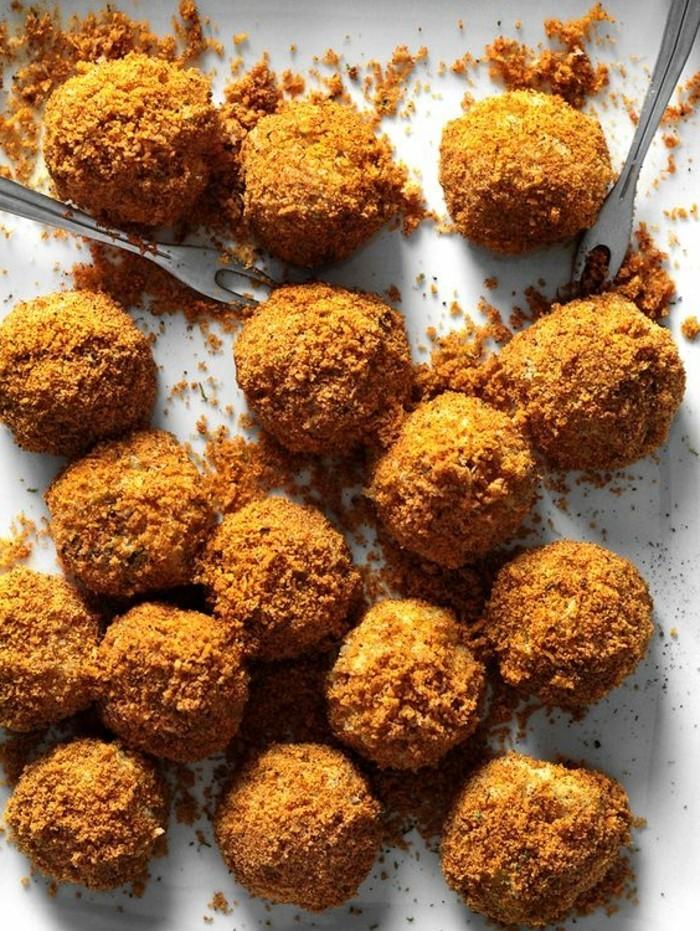 boulette-de-pomme-de-terre-avec-dusty-cheddar-fourchettes-plat-délicieux