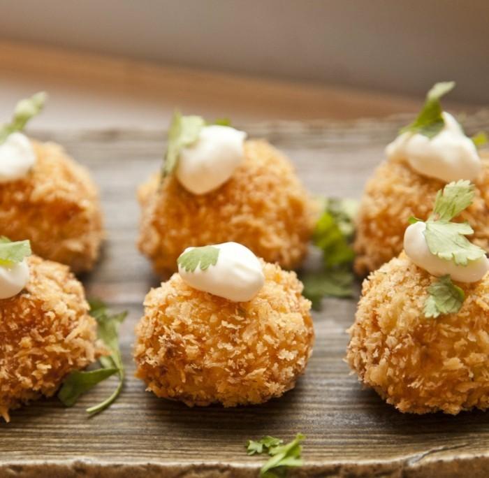 boulette-de-pomme-de-terre-décoration-simple-art-de-cuisine