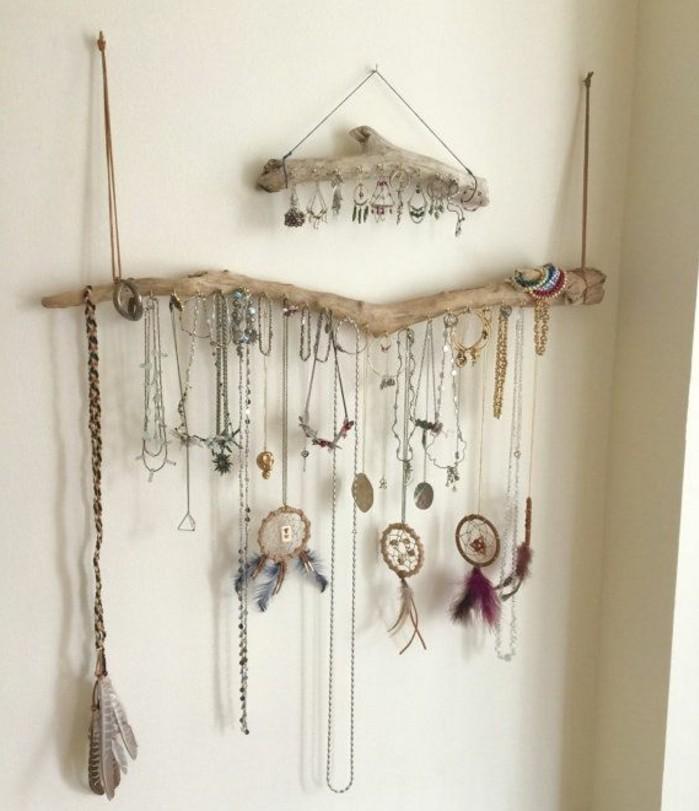 branches-de-bois-flotte-aspect-brut-pour-fabriquer-un-porte-bijoux-soi-meme