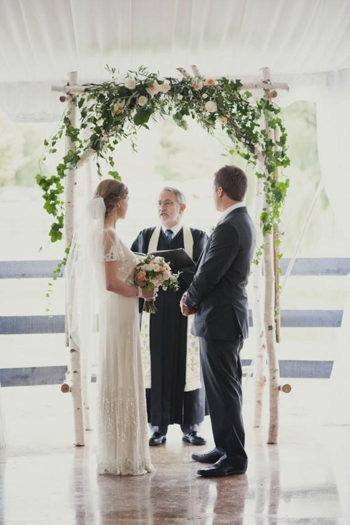 cérémonie-religieuse-mariage-arche-florale-mariage