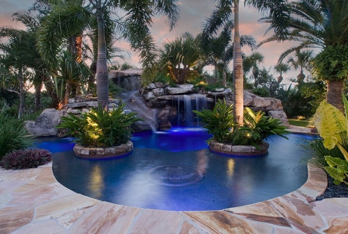 1001 mod les spectaculaires de piscine avec cascade - Cascade artificielle exterieur ...