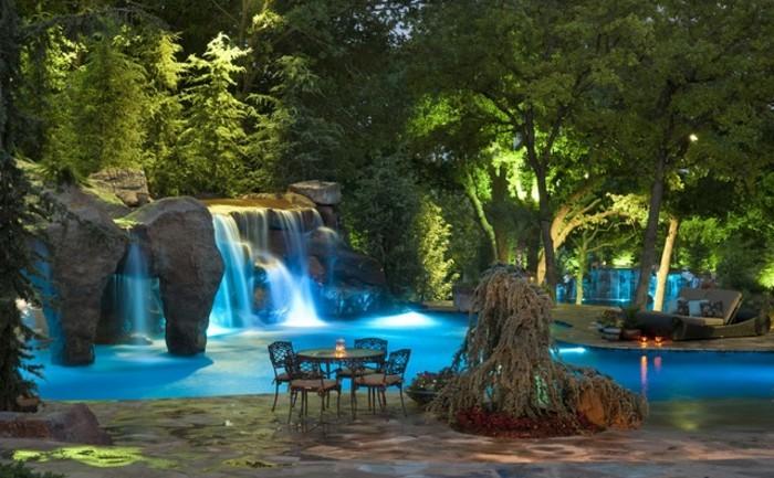 1001 mod les spectaculaires de piscine avec cascade - Bassin exterieur avec cascade toulouse ...