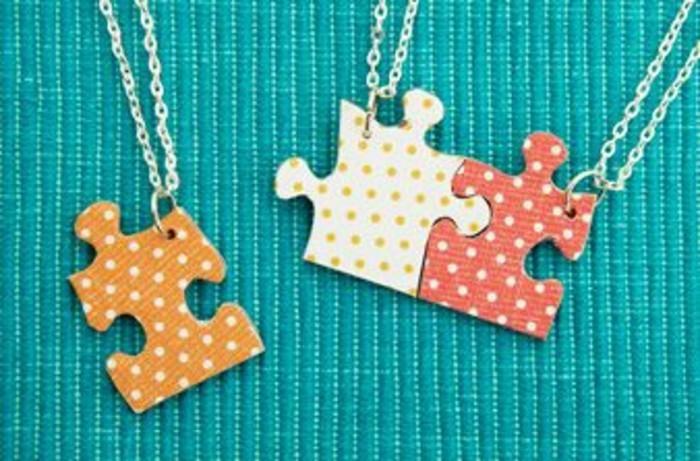 ccadeau-anniversaire-copine-idée-cadeau-meilleure-amie-collier-meilleure-amie-pieces-de-puzzle