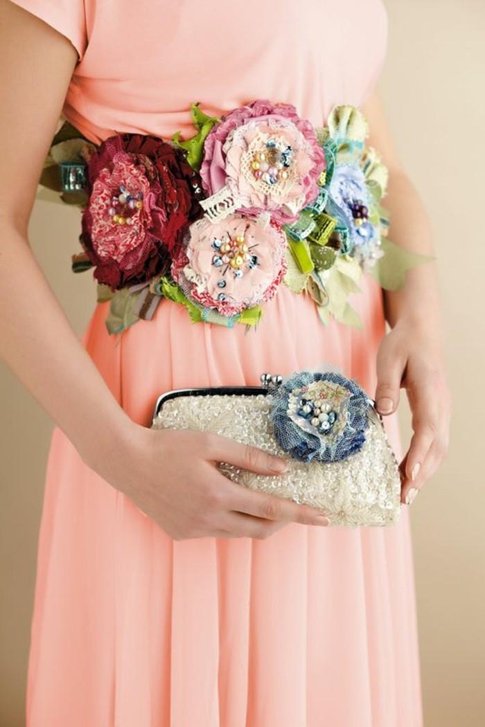 ceinture-composée-de-fleurs-de-tissu-comment-faire-des-fleurs-en-tissu-pochette-personnalisée-a-l-aide-d-une-fleur