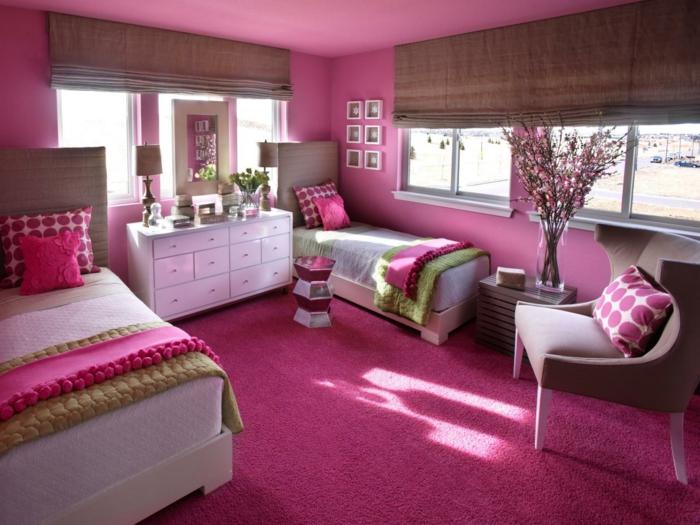 chambre-couleur-framboise-décoration-d'espace-féminine