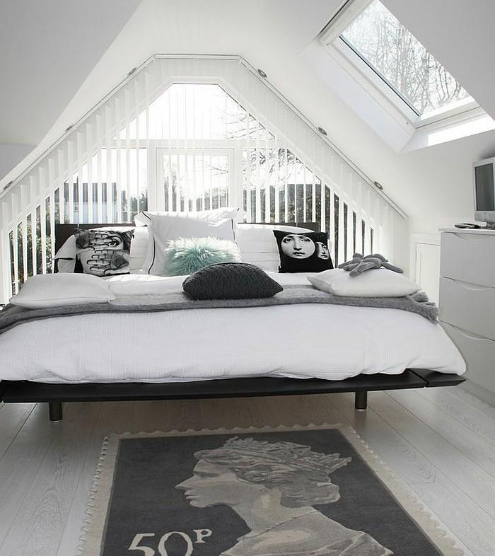 chambre-scandinave-tout-en-blanc-linge-de-lit-blanc-coussins-graphiques-commode-blanc-grande-fenetre