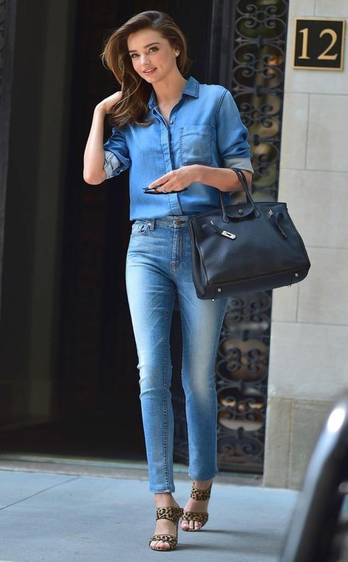 chemise-en-jeans-femme-beaute-naturelle-vision-simple-et-chic-en-denim