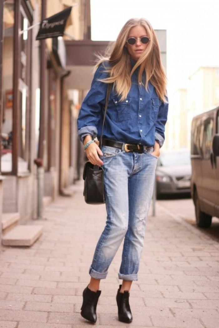 chemise-en-jeans-femme-cheveux-detaches-denim-ceinture-noire