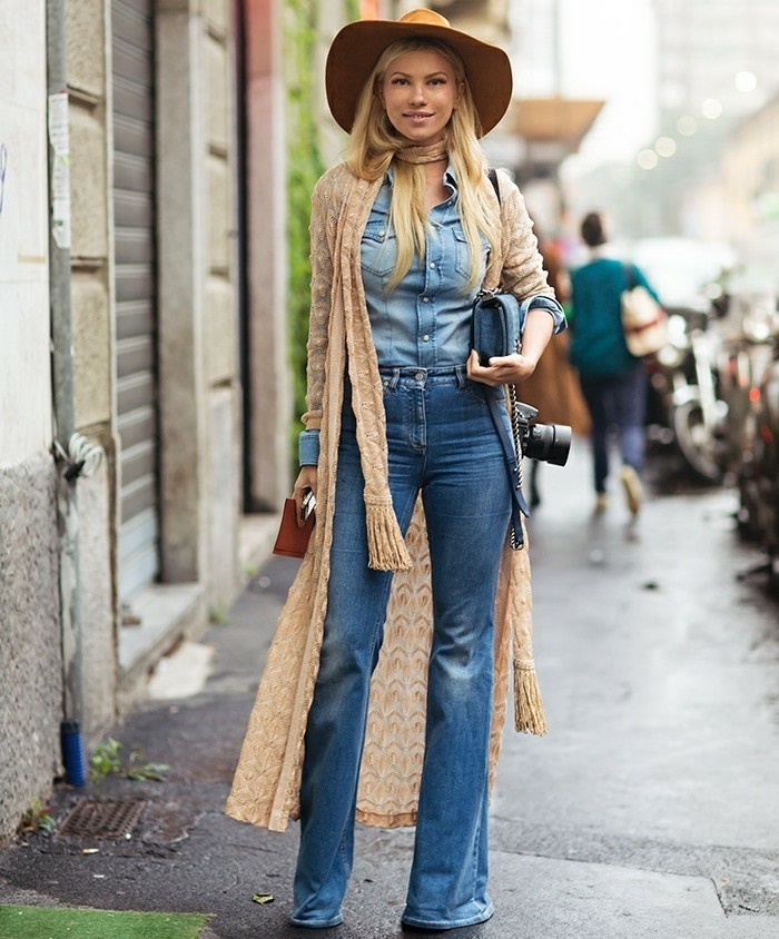 chemise-en-jeans-femme-vision-chic-boho-chapeau-echarpe-veste-en-beige
