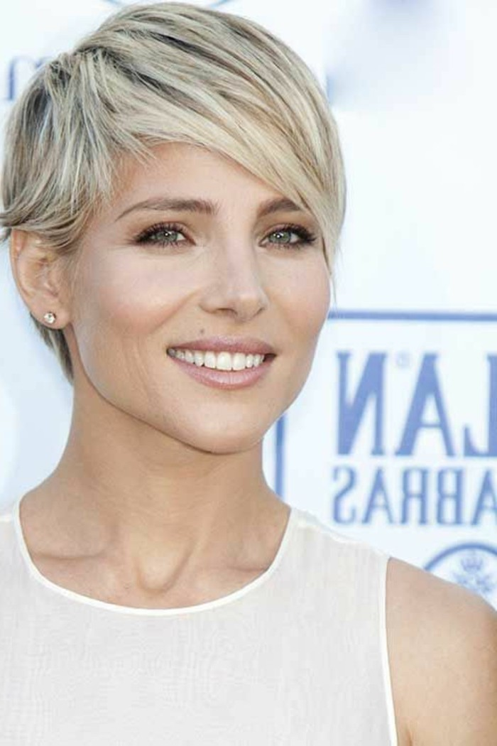 cheveux-blond-cendre-coupe-courte-cheveux-effiles