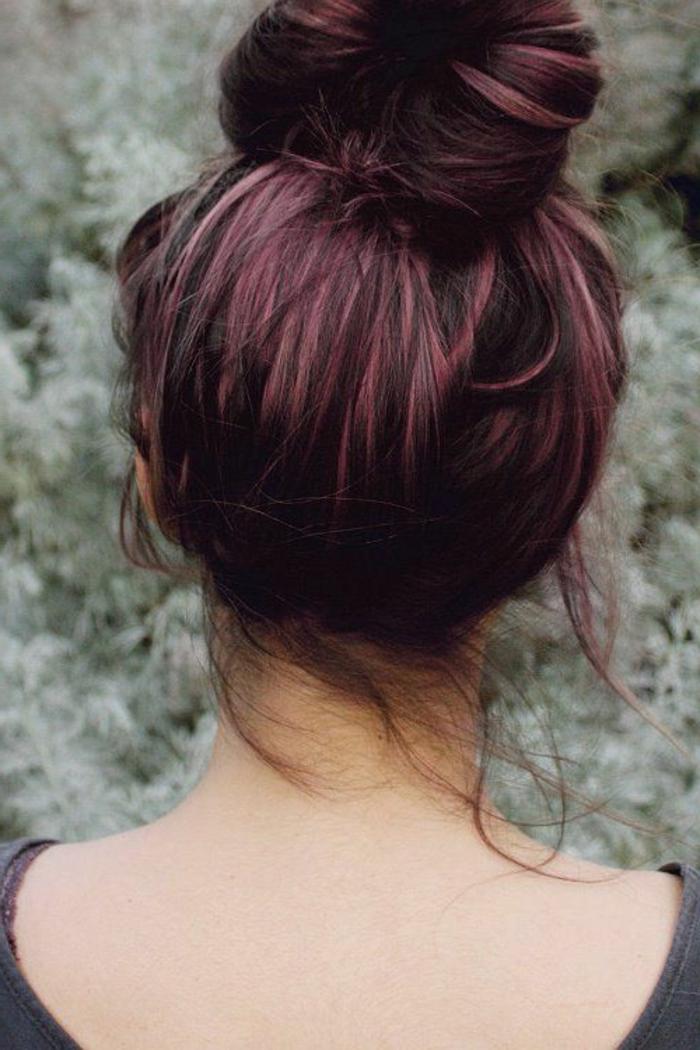 Couleur violine sur cheveux chatain